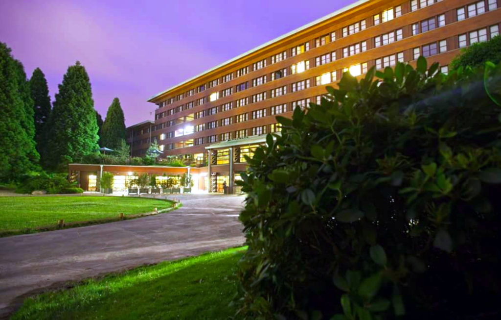 What are the ways to get from (CDG) Charles de Gaulle to Sequoia Lodge