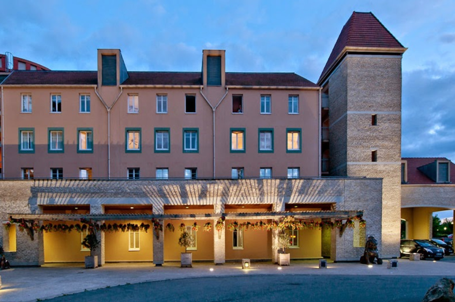 Transfers from Beauvais Airport to Explorers Hotel
