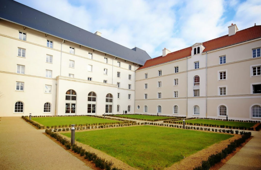 Transfers from Paris CDG Airport to Hotel B and B